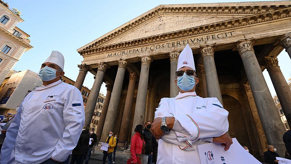 İtalya'da Covid-19 önlemlerine karşı sivil itaatsizlik hareketi: Binlerce restoran kepenk açacak!