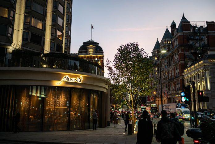 Türkiye'nin dünyaca ünlü markası Nusr-Et bu kez Londra'yı fethetti!