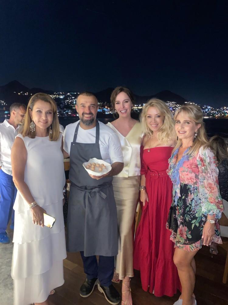 Dünyanın önde gelen restoranlarından White Rabbit Family grubu, Türkiye'deki ilk restoranları Sakhalin Bodrum'u Yalıkavak Marina'da açtı.