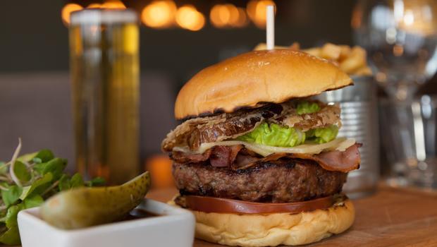 Gurme burgerin en iyileri İncili Gastronomi Rehberi Lezzet Noktaları\'nda