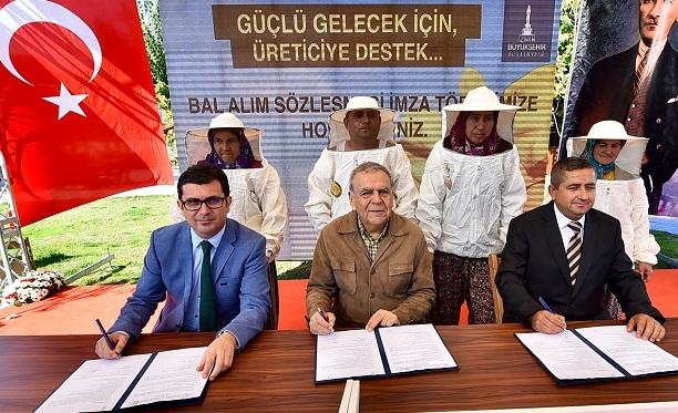 İzmirli bal üreticilerine Büyükşehir desteği!