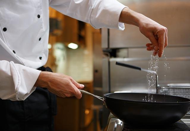 Ünlü şeflerden yemek pişirenlere tavsiyeler