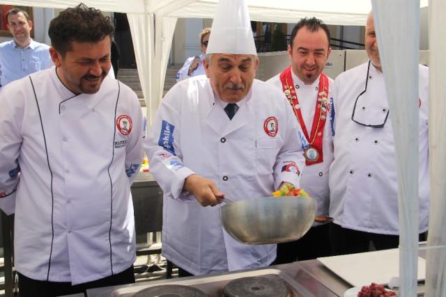 3. İzzet Baysal Uluslararası Mutfak Günleri Devam Ediyor...