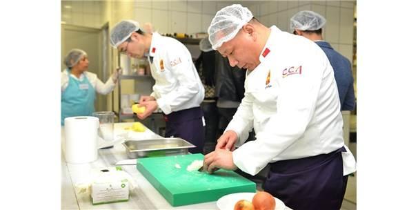 Çinli Aşçılar Maltepe\'de Hünerlerini Sergiledi