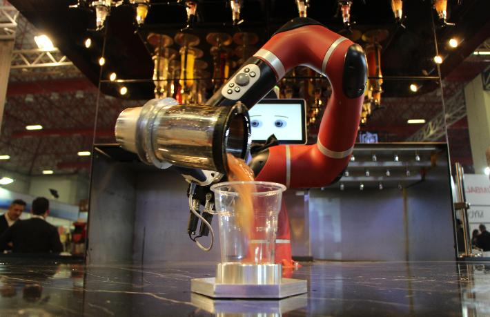 Yapay zeka ve robotlar HORECA sektörünün hizmetinde