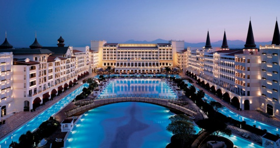 Mardan Palace'ta neler oluyor: Rus turistlerden otel tahliye edildi iddiası
