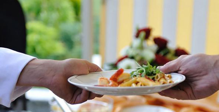 Rekabet Kurumu'ndan yemek kartı şirketlerine şok karar