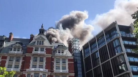 Londra\'daki Mandarin Oriental Hotel\'de yangın