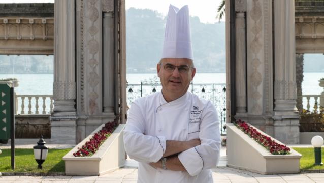 Sarayın mutfağını yöneten şef; Sezai Erdoğan