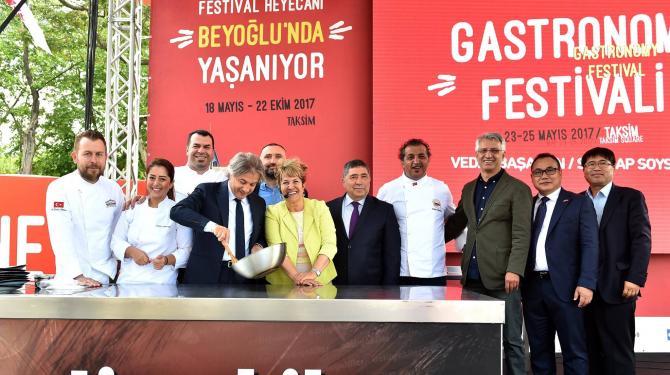 Türk ve dünya mutfağının lezzetleri Beyoğlu'nda