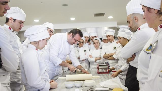 Beykent Üniversitesi Gastronomi ve Mutfak Sanatları Bölümü; mesleğin felsefesini öğretiyor