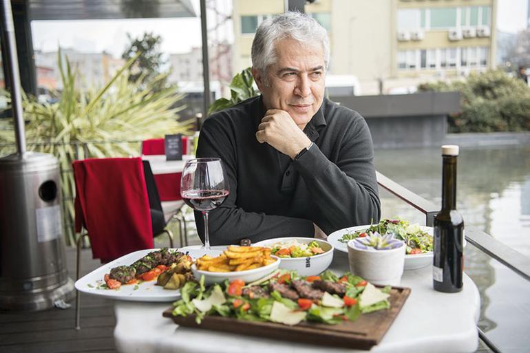 'Başarılı Bir Restoran İçin Yol Haritası' kitabının yazarı Ferit Özkaşıkçı: Kırmızı renk iştah açar bu gücünden faydalanın