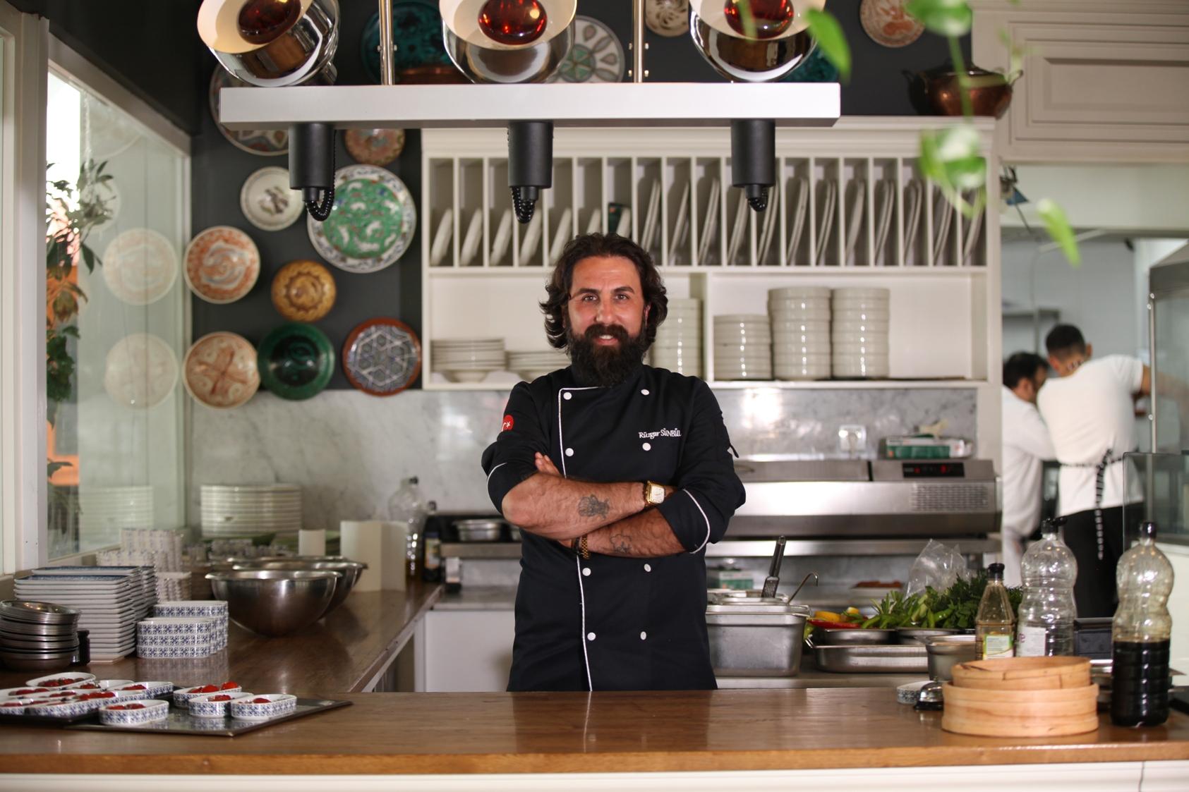 Ünlü Şef Rüzgar Sünbül, geleceğin aşçılarıyla birlikte HOST İstanbul'da hünerlerini sergileyecek