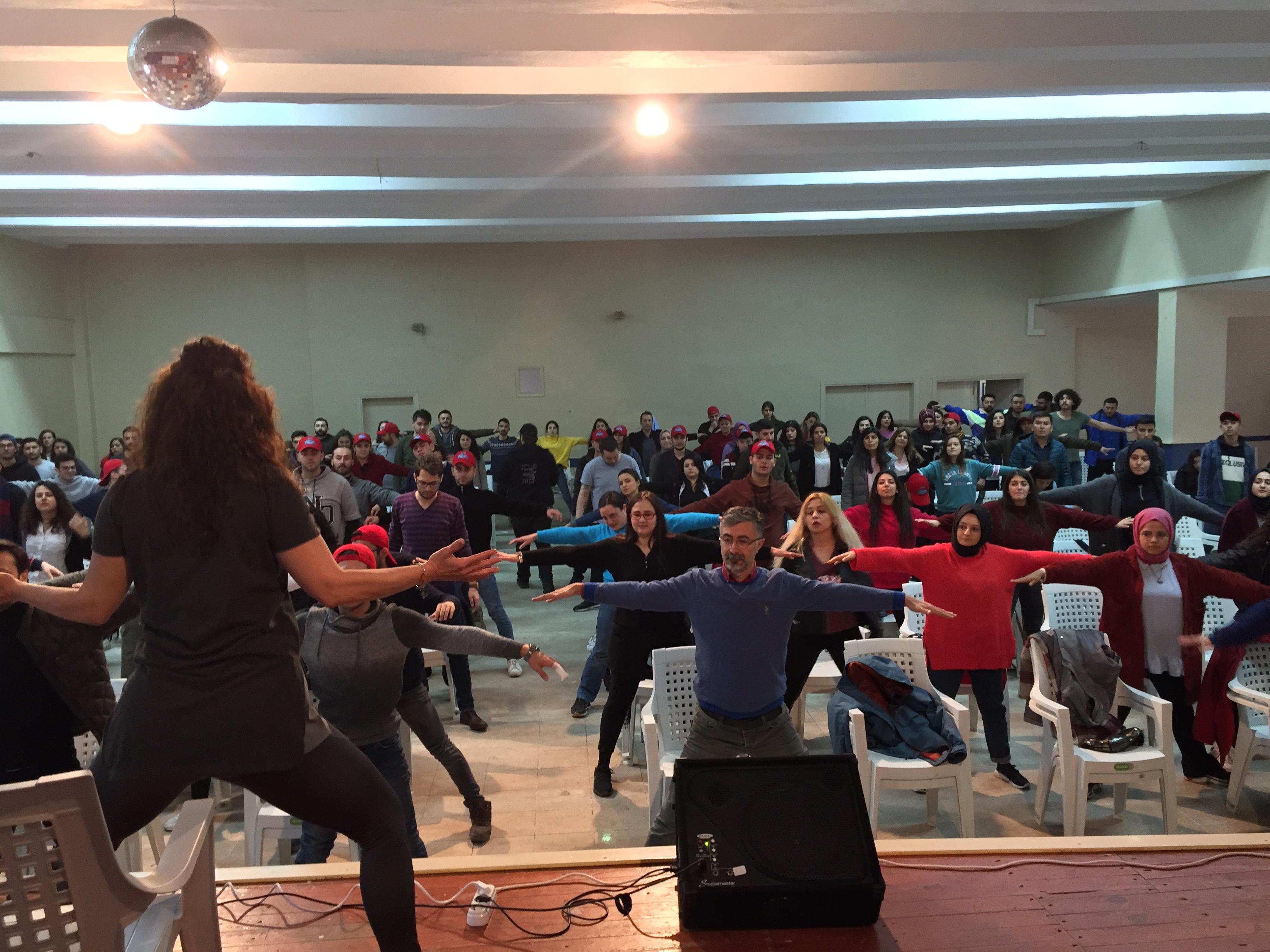 V. Ulusal Aşçılık Kampında Yoga Vakti  Aşçılık Kampı Neşeli Anlara Tanık Olmaya Devam Ediyor