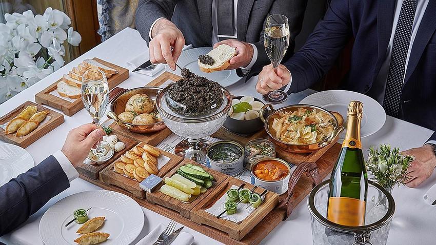 625 dolara \'serpme\' kahvaltı: İşte Moskova\'daki en pahalı 5 yemek