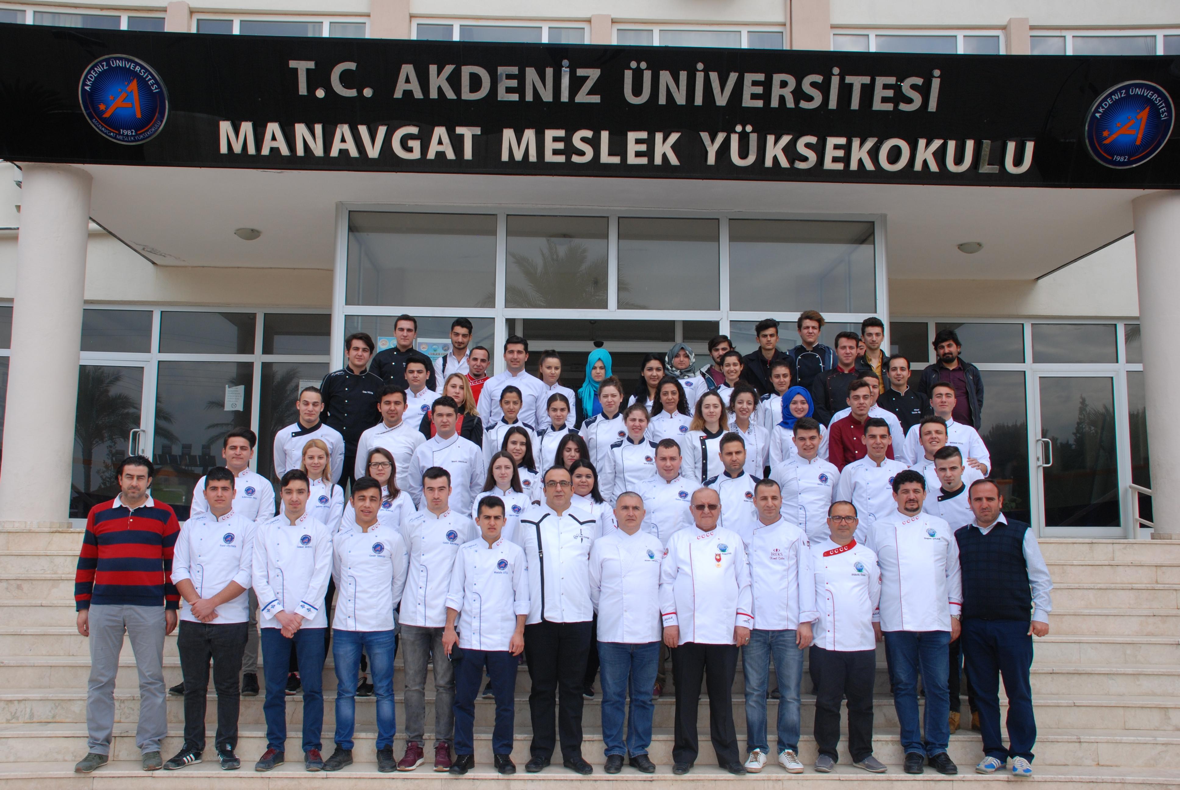 Manavgat Aşçılar Derneği işbirliği ile Akdeniz Üniversitesi Myo Yüksekokul Çikolata Eğitimi