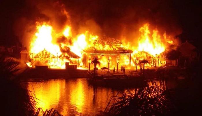Cratos Hotelde büyük yangın