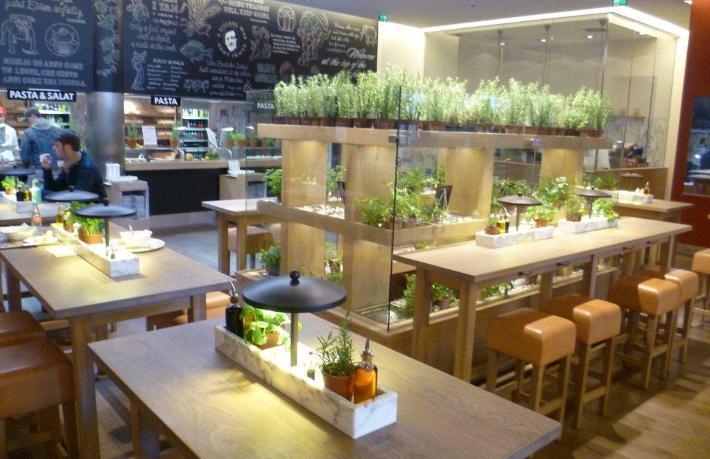 Dünya devi restoran zinciri iflas etti