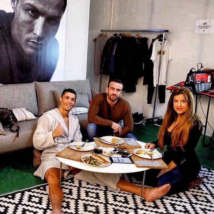 Yıldız futbolcu Ronaldo\'nun mütevazi yemek menüsü: Arkadaşı anlattı...