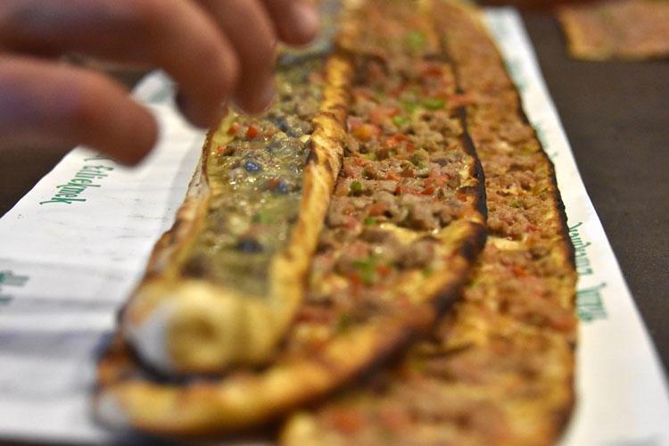 Etli ekmek, 800 yıldır Konya da üretiliyor