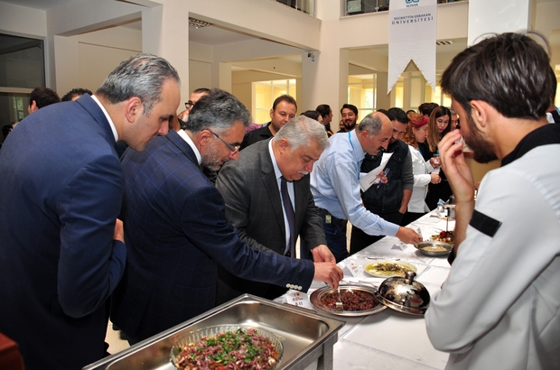 NEÜ'de geleneksel yemek yarışması düzenlendi