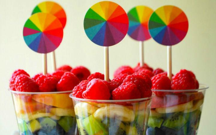 Renklerin yemek üzerindeki etkileri: Kırmızı renk daha çok yemenize sebep oluyor!