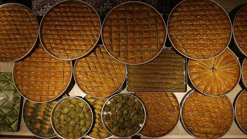 Gastronomi kentinin baklavacılarını bayram telaşı sard