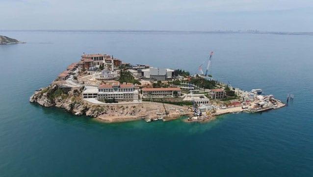 Yassıada'nın 125 odalı oteli de açıldı